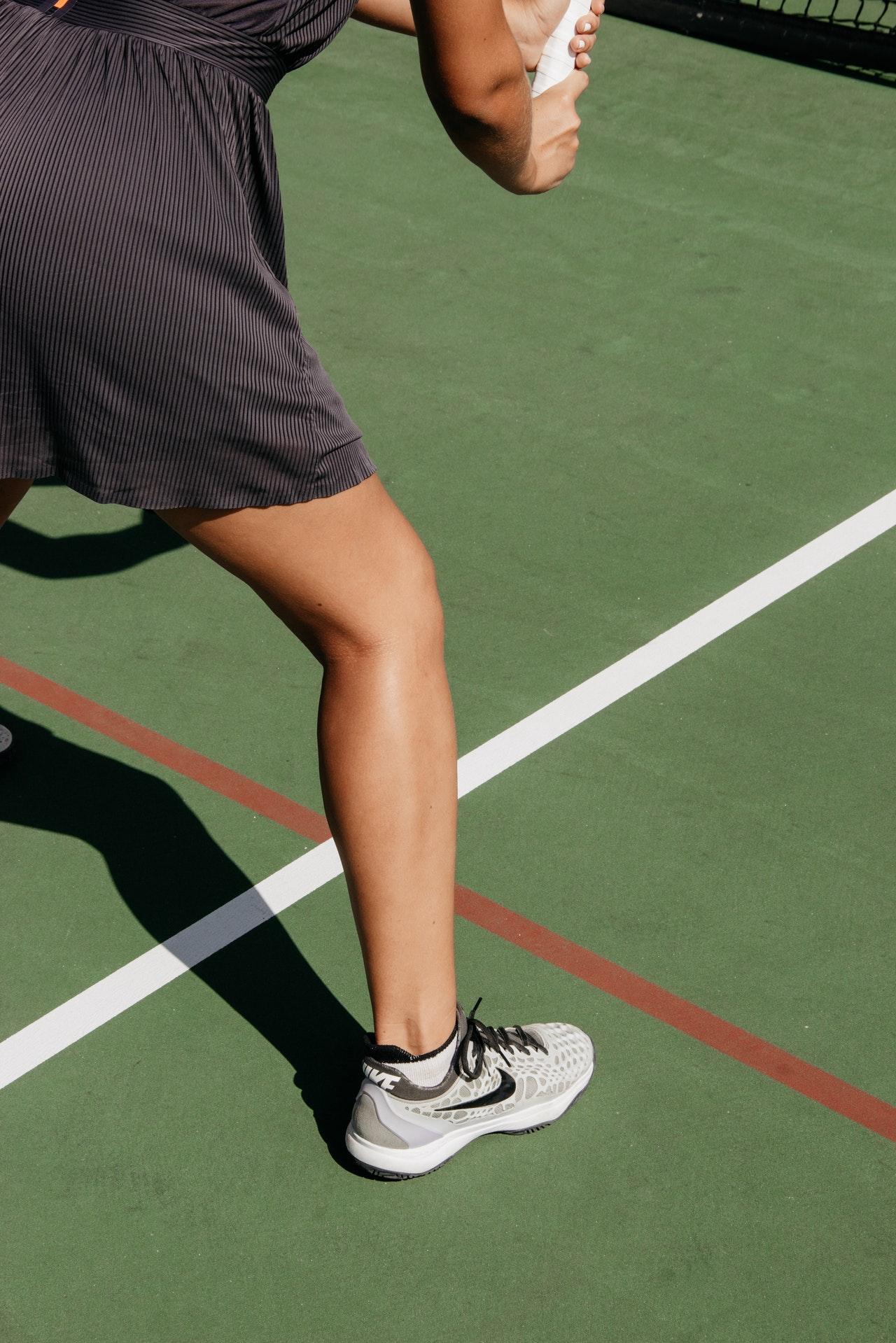 La cheville travaille beaucoup au tennis